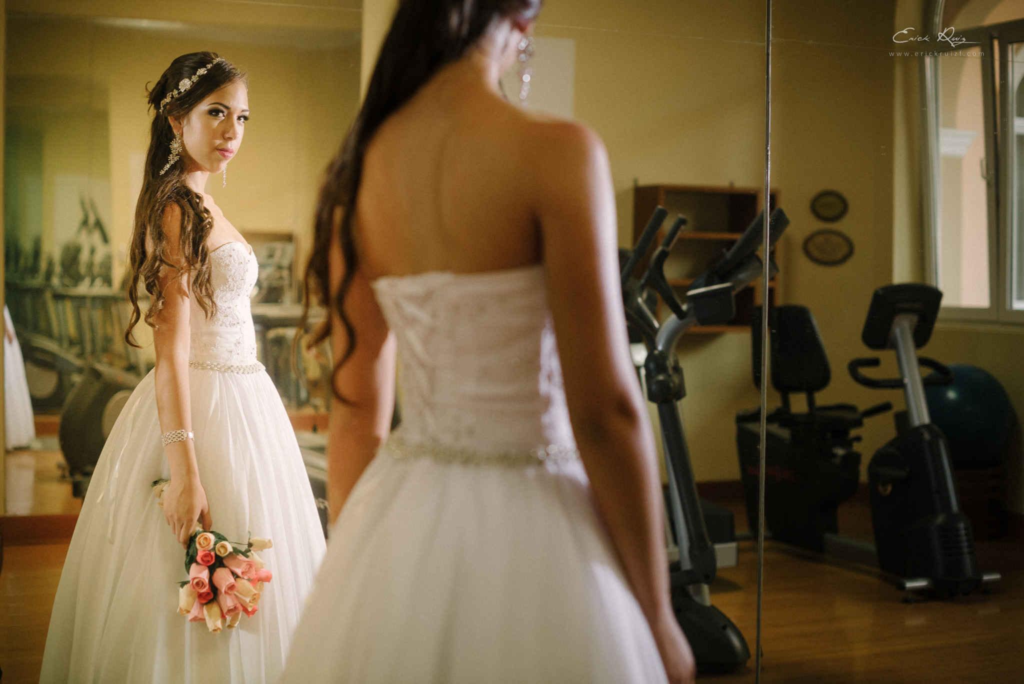 sesion novias y vestidos elegantes sin limits, fotografo de bodas en piura, los portales piura