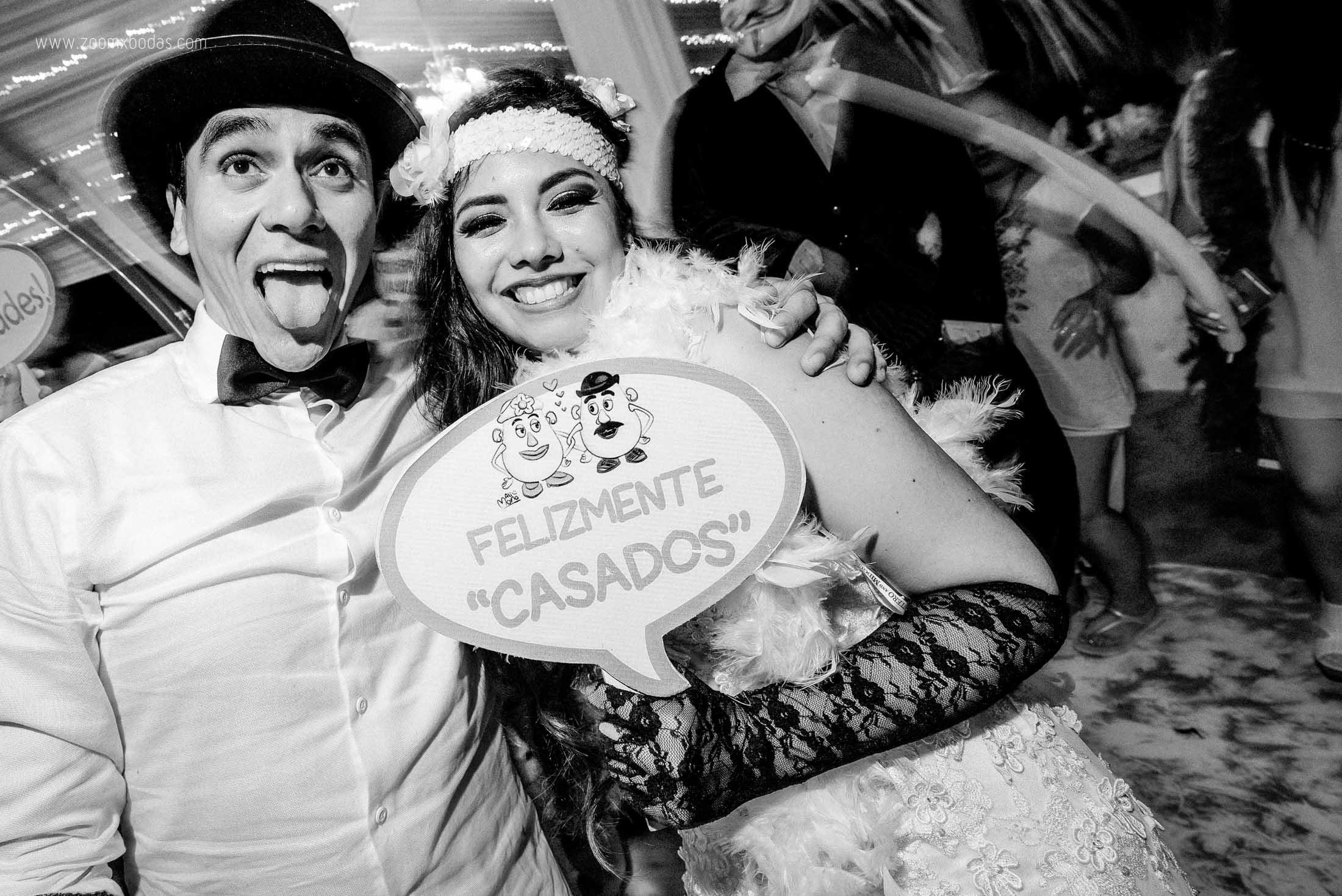 boda lya y walter en rocapulco mancora, fotografo de bodas en mancora, fotografo de bodas en piura, fotografia profesional, boda en playa, zoomx studio, erick ruiz